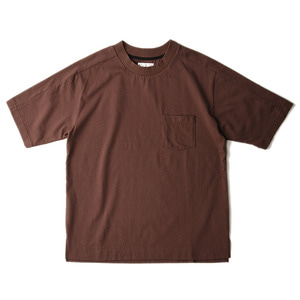 "Still by Hand Wide Neck T-Shirt ""Brown"""