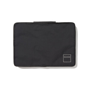BLANKOF CLG 01 AM13 MacBook Case 13