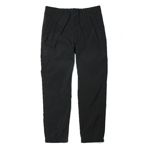 "Still by Hand Airy Jogger Waterproof Pants ""Black"""