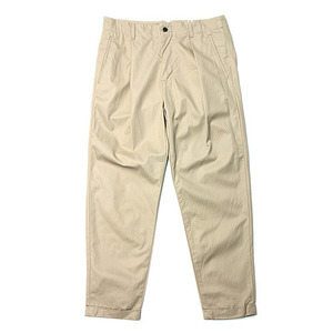 "Still by Hand Deep Tuck Slacks ""Beige"""